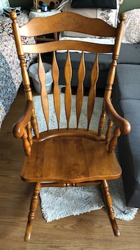 Brown wooden windsor rocking chair 3737 km