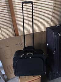 Black softside luggage a little bigger than briefcase basically new 18 inches wide 14 inches tall 9 inches deep Wheaton, 60189
