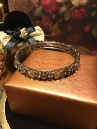 Pretty! Silver White & Diamond Stone Bangle Bracelet