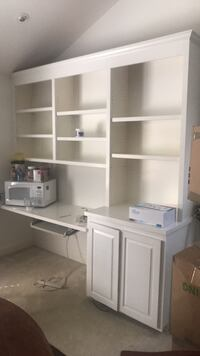 White wooden computer desk with hutch Wilmington, 28409
