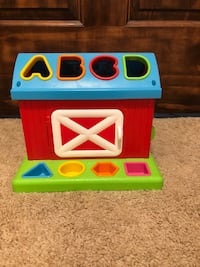 Baby/Toddler red barn toy  Provo, 84604