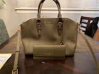 Large olive color Michael Kors purse with matching wallet El Paso, 79907