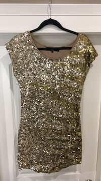 Bedo gold sequin dress Surrey, V3S 2Y4