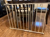 Child/pet gate  Milton, L9T 0H5