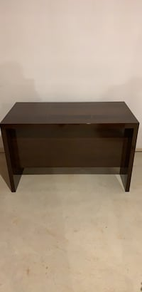 New Wooden Desk - Gleaming Luxury Finish Mississauga, L5W 1T7