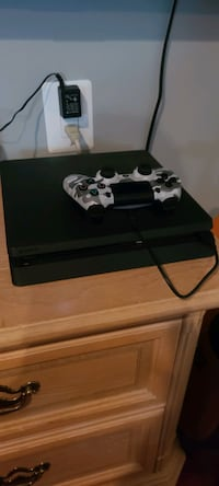 PS4 *barely used*