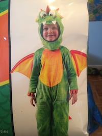 Size 5-7 yes-Dragon costume including wings-worn once. Dieppe Dieppe, E1A 6V5
