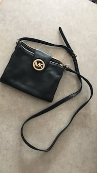 black Michael Kors leather crossbody bag Edmonton, T5N 4B7