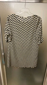 white and black chevron print long-sleeved dress Georgetown, 78626