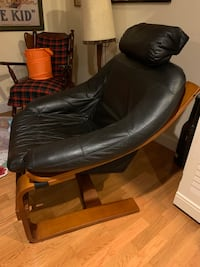 Black leather chair with ottoman Gaithersburg, 20878