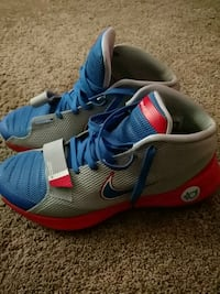 blue-and-red Nike running shoes Brownwood, 76801