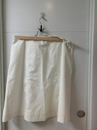 White Mid-Skirt Madrid, 28016