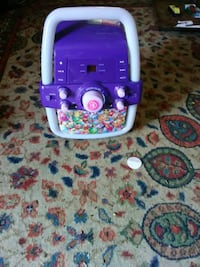Child's CD player lights up with charger works goo Fitzgerald, 31750