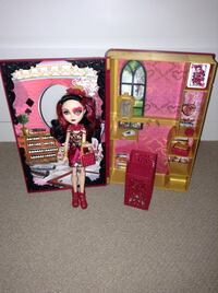 Ever after high spring unsprung lizzie hearts playset