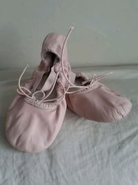 BLOCH Toddler size 11 leather ballet shoe London, N5Y 4K5