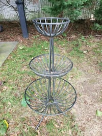 Metal stand Brentwood, 11717