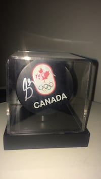 Sidney Crosby 2010 Olympics signed puck 3489 km