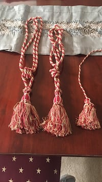 Set of 3 elegant Tassels. 11 km