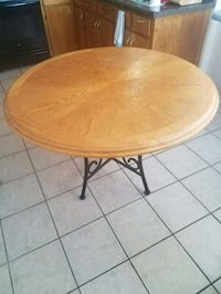 round brown wooden coffee table Chicago, 60659