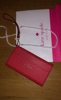 Kate spade red wristlet fits iPhone 6/7/8  Mississauga, L4Y