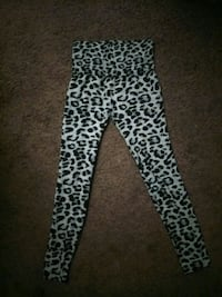 black and white leopard print pants Bakersfield, 93308