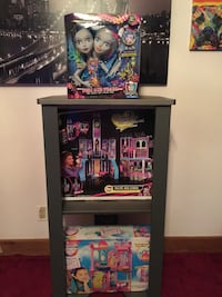 Monster High dolls with box