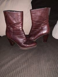 Nine west chocolate leather boots 68 km