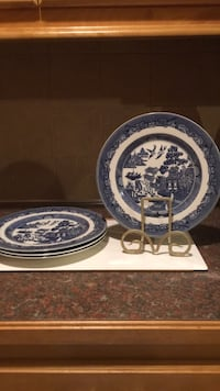 4  large Blue Willow Dinner Plates by Johnson Brothers  Kansas City, 64130