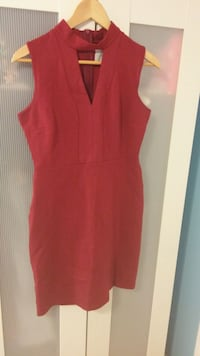 Red dress only worn twice Mississauga, L5J 4K2