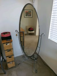oval brown wooden framed mirror Castaic, 91384