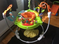 baby's green and white jumperoo Montréal, H1M