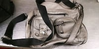 Zero issues..midsize purse Mississauga, L4W 1S9