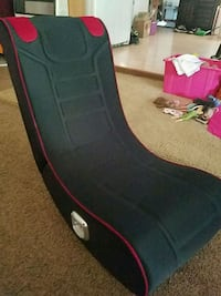 Gaming chair with speakers  only used three times  Shipshewana, 46565