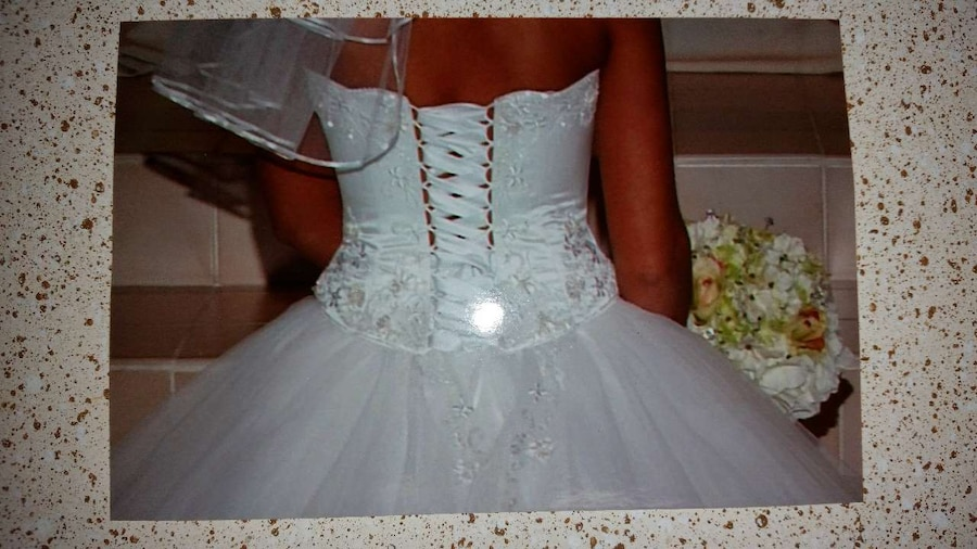 Gebrauchte white lace applique lace up back strapless tulle