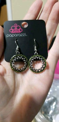pair of silver and black earrings Palatine, 60067
