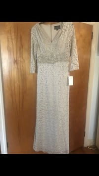 New Alex Evenings formal dress size: 6 Cary