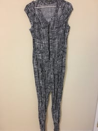 Jumpsuits size small London, N6H 5T6
