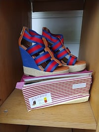 Navy blue and red open toe wedges Capitol Heights, 20743