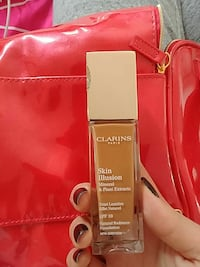 Clarins skin illusion Mineral & plant extracts SPF 10