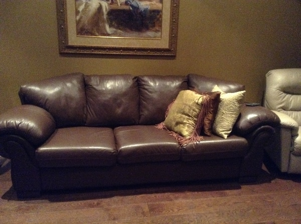 brown leather 3-seat sofa - Almost new