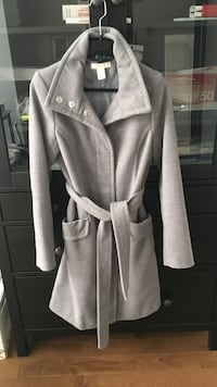 H&M grey winter coat Montréal, H2Y 2H2