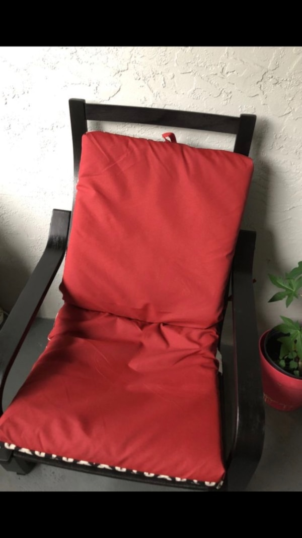 Set of 2 black patio lounge chairs
