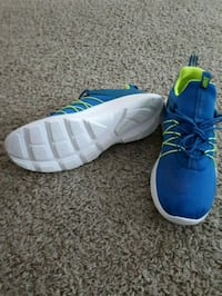 pair of blue-and-white Adidas sneakers Hamilton, L9H 3K3