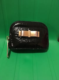 Burberry  Black leather coin purse  with keychain