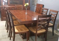 Solid dining set & Hutch/ delivery available Mississauga, L4Y 1P2