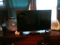 "32"" flat screen tv with remote Milwaukee, 53202"
