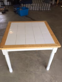 Nice Square Dining Room Table De Soto