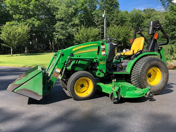 2008 John Deere 2720 Tractor with Front Loader and 72