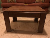 Rectangular brown wooden coffee table Corpus Christi, 78410