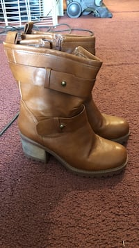 pair of brown leather boots Saugerties, 12477